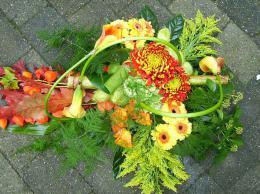 ellen-deelen-natuurlijke-bloem-creaties-grafstuk-herfst