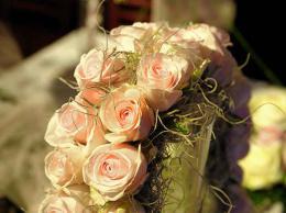 ellen-deelen-natuurlijke-bloem-creaties-armboeket-van-rozen