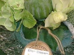 Ellen Deelen natuurlijke bloem creaties voorbeeld 2 aankleding statafel