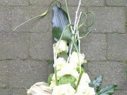 Ellen Deelen natuurlijke bloem-creaties graftoef lang groen wit