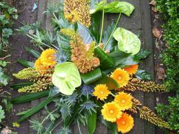 ellen-deelen-natuurlijke-bloem-creaties-graftoef-eremurus-en-oranje-gebera_edited