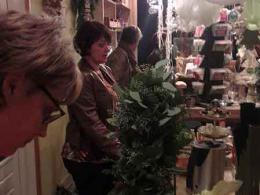 ellen-deelen-natuurlijke-bloem-creaties-workshop-kerst-in-beweging