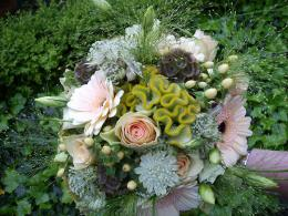 ellen-deelen-natuurlijke-bloem-creaties-bruidsboeket-zomerbiedermeier