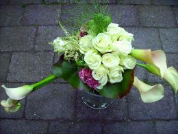 ellen-deelen-natuurlijke-bloem-creaties-bruidsboeket-met-calla-en-celosia
