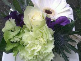 ellen-deelen-natuurlijke-bloem-creaties-aankleding-tafelstuk