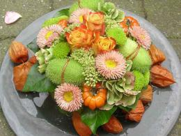 ellen-deelen-natuurlijke-bloem-creaties-bovenaanzicht-klein-herfsttaartje1