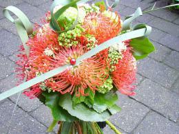 ellen-deelen-natuurlijke-bloem-creaties-bruidsboeket-exotisch