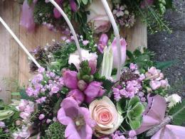 Ellen Deelen natuurlijke bloem-creaties detail oor altijd met elkaar verbonden